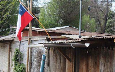 Familias de campamento y bomberos en Santa Cruz trabajan en conjunto en proyecto habitacional en la comuna