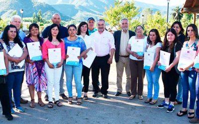 Familias de Coltauco agradecen subsidios para instalar paneles solares
