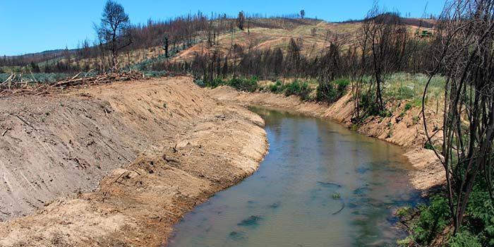 Obras Hidráulicas prepara esteros de Marchigue y mejora el agua potable rural en Rinconada de Halcones