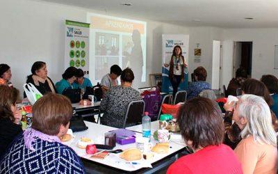 Agrupación de mujeres de Machalí recibe información sobre la ley de etiquetado de alimentos