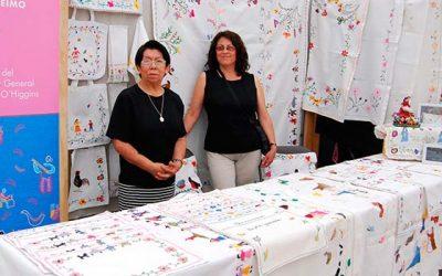 Bordadoras de Lihuiemo participan en Muestra Internacional de Artesanía de la UC