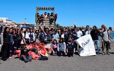 Cerca de 300 kilos de basura recolectaron estudiantes de Pichilemu en una nueva limpieza de playas