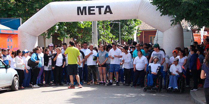 Colorida corrida por la inclusión en Santa Cruz