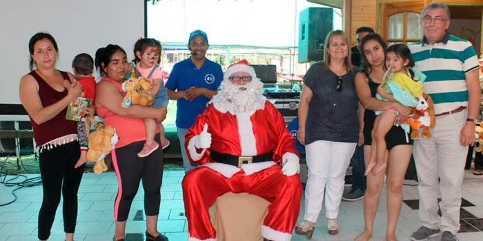 Familias del programa Abriendo caminos disfrutan de actividad navideña