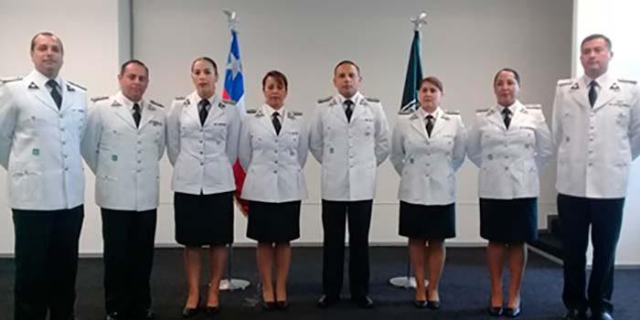 Gendarmería celebra aniversario condecorando funcionarios por años de servicio