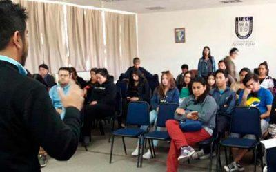 Injuv OHiggins realiza charla de oferta programática a jóvenes de la UAC