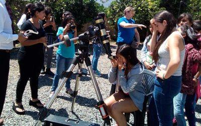 Juzgado de Letras y Familia de San Vicente de Tagua Tagua organiza paseo a observatorio para niñas de residencia