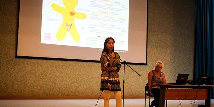 Un nuevo taller de atención de pacientes transexuales realizó el HRLBO