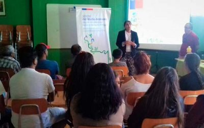 Vecinos de Rancagua participan en charla de residuos y Ley REP
