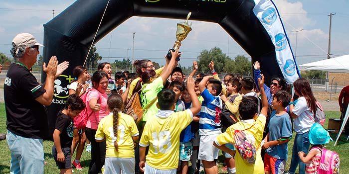 7 barrios de la región disputaron la final regional de Fútbol Más