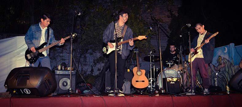 Banda local Tierra mojada se presenta en el Festival de las Artes de Valparaíso