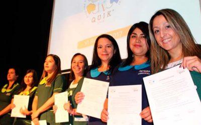 Certifican a participantes del programa Quik en liderazgo
