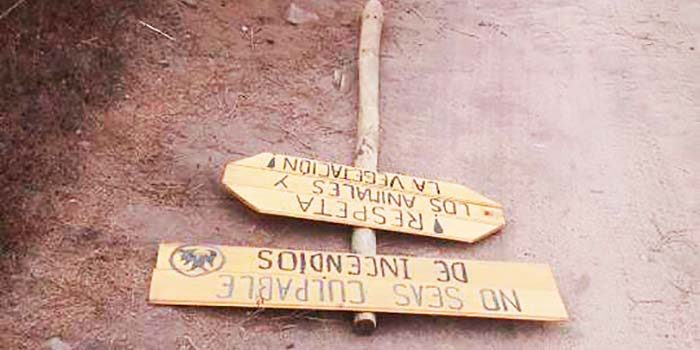 Destruyen letreros educativos puestos por la comunidad en acceso a la playa de Topocalma