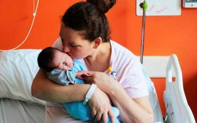 Primera guagua nacida el 2018 en el Hospital RLBO