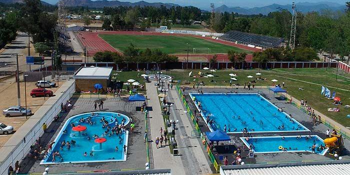 San fernando cuenta con una renovada y moderna piscina for Piscina san fernando
