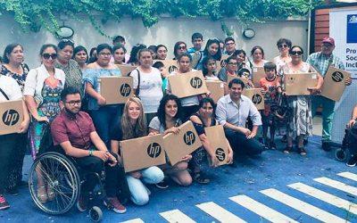 Senadis OHiggins entrega computadores a niños y jóvenes con discapacidad
