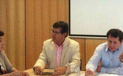 Alcaldesa de Olivar acude al MOP en busca de soluciones a problemas viales