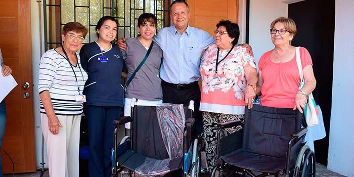 Consejo de Desarrollo de la Salud, entrega sillas de ruedas y equipamiento kinesiológico al Cesfam Mostazal