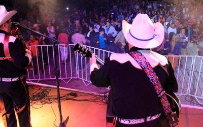 Los Luceros del Valle dan vida a celebración del día del roto chileno en Palmilla