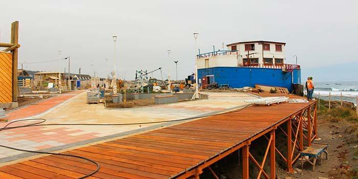 Ministro(s) de obras públicas inspecciona mejoramiento de borde costero pichilemino