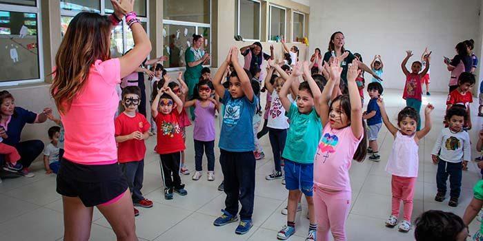 Niños de la Unidad Educativa del HRR disfrutaron de Zumba Kids
