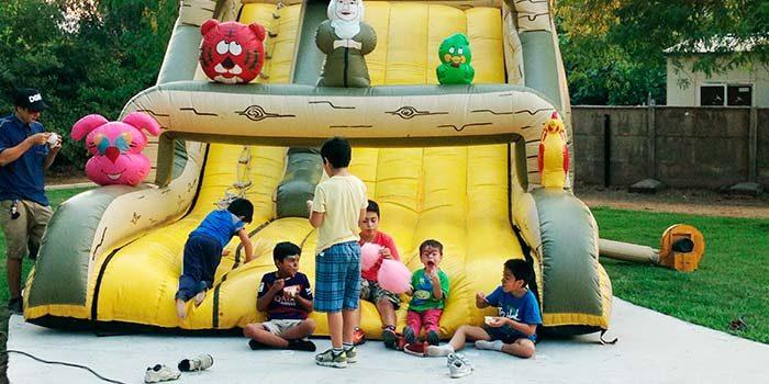 Vecinos de Palmilla disfrutan de entretenidos programas familiares este verano