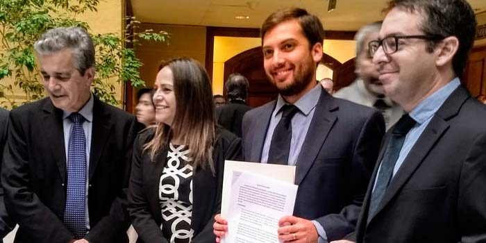 Diputado Raúl Soto ingresa proyecto de acuerdo que pide al Gobierno priorizar Nueva Constitución