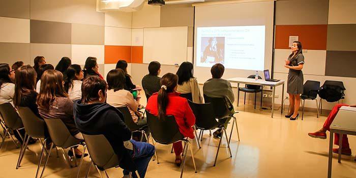 Funcionarias del Hospital Regional participan en charla informativa sobre los alcances del Cáncer cervicouterino