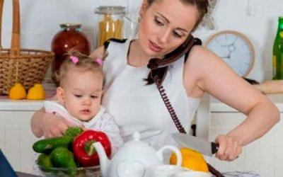 Las mujeres dedican 3,21 horas más que los hombres al trabajo no remunerado