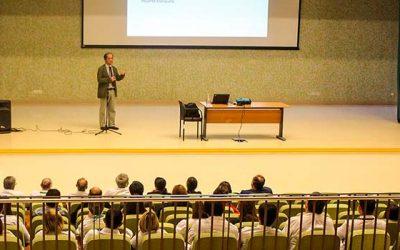 Magister y especialista en Bioética realiza charla enfocada en la limitación del esfuerzo terapéutico