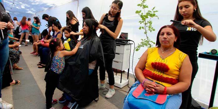 Mujeres se toman la plaza de armas de Rengo