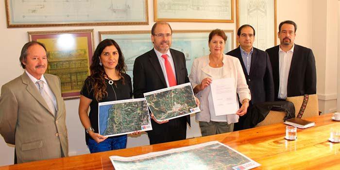 Obras Públicas y gobierno regional suscriben acuerdo por rutas transversales