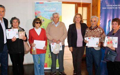 25 adultos mayores de San Vicente mejoran calidad de vida gracias al Programa Vínculos