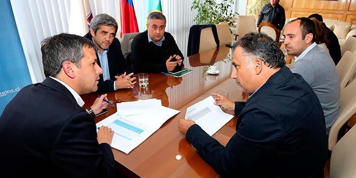 Alcalde de San Fernando presenta proyectos de desarrollo a intendente