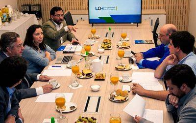 Diputados se reúnen con el rector de la UOH y manifiestan su apoyo al proyecto universitario