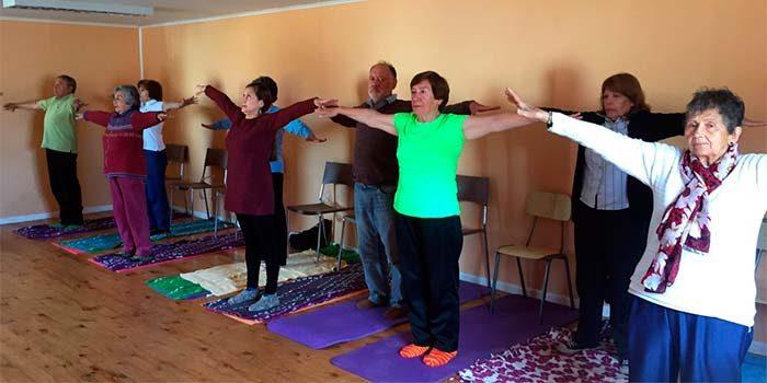 El yoga se toma el Hospital de Pichilemu