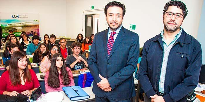Fiscal regional dicta charla a estudiantes de Derecho de la Universidad de OHiggins