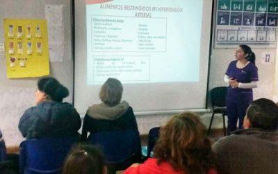Usuarios diabéticos e hipertensos del Hospital de Pichilemu participan en charla educativa