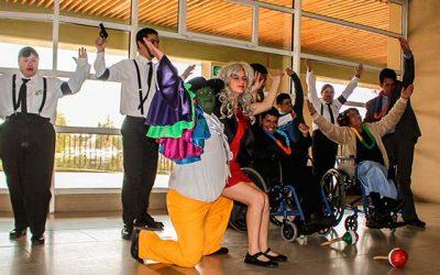 Alumnos del colegio Fray Ave María del Pequeño Cottolengo realizan intervención artística en HRR