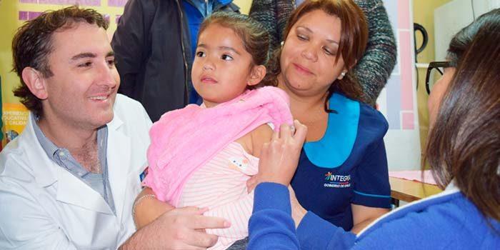 Autoridad Sanitaria realiza vacunación a jardín de Codegua