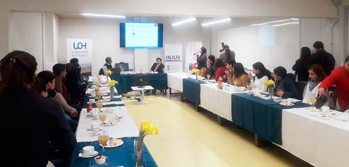 Injuv realiza el tercer desayuno público con estudiantes de la UOH