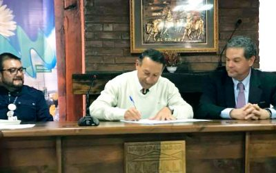 Machalí firma convenio colaboración con la SMA