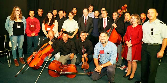 Ministro de Justicia e Intendente conocen proyecto de reinserción de Orquesta de Sinfónica de la Cárcel de Rancagua