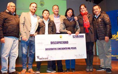 Municipio de Mostazal entrega más $100 millones en becas a estudiantes de la comuna