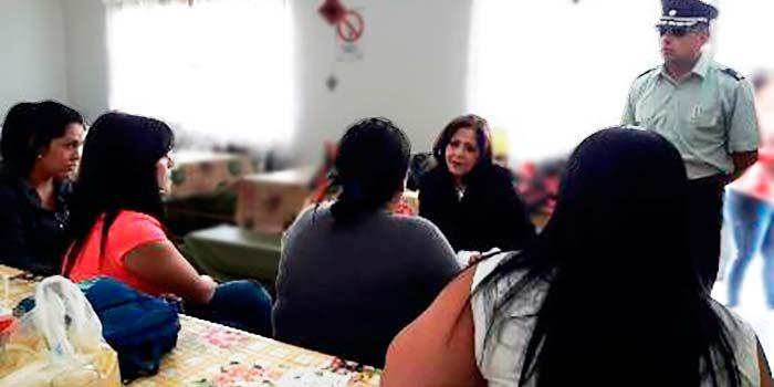 Seremi del Ministerio de la Mujer y Equidad de Género visitó unidades de Rancagua y Santa Cruz