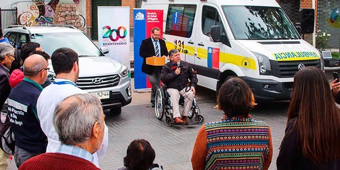 Servicio de Salud entrega ambulancia y vehículo de apoyo para el futuro SAR Rienzi Valencia de Rengo
