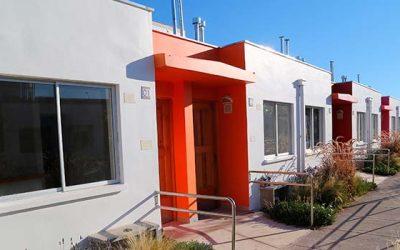 Adultos mayores reciben viviendas especialmente diseñadas para ellos en Marchigue