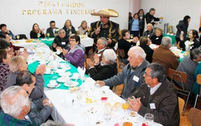 Programa Vínculos beneficia a 50 adultos mayores de la comuna de Pichidegua