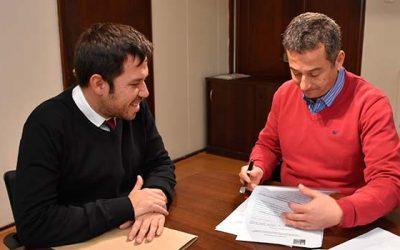 Seremi de Vivienda y Urbanismo y alcalde de Requínoa firman convenio para un nuevo Plan Regulador de la comuna
