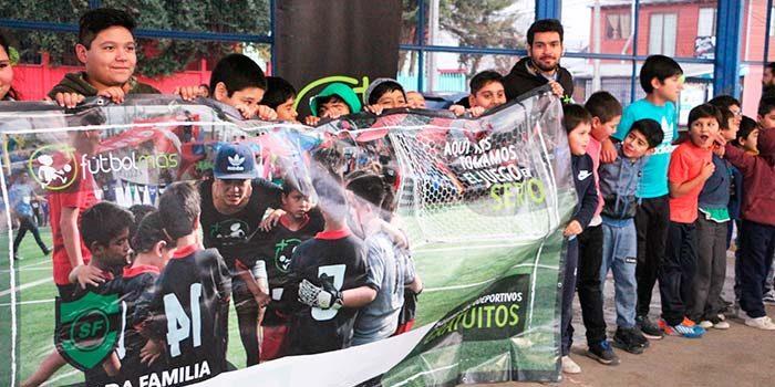 Talleres sociodeportivos en Graneros en alianza con Fundación Fútbol Más y empresa privada